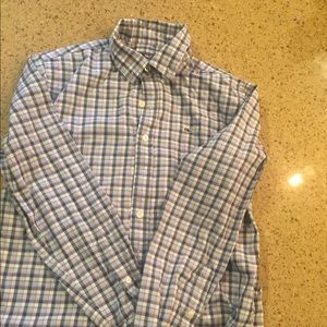 Vineyard Vines button down shirt
